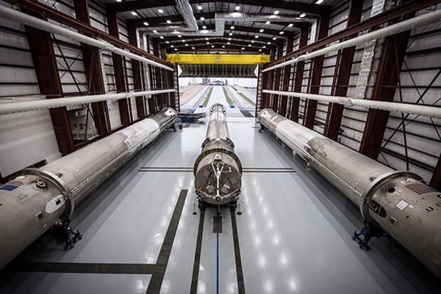 Вверх-вниз.  SpaceX приготовился хоронить «Роскосмос»