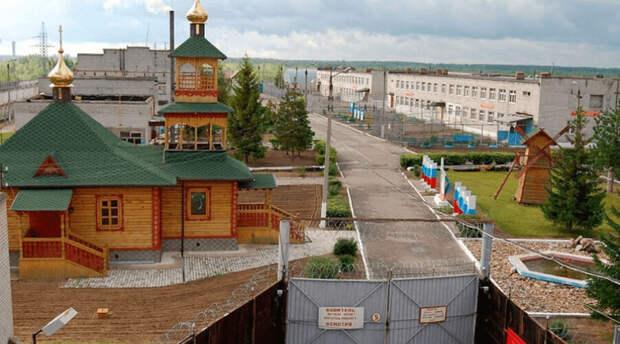 «Невозможно для нас оставаться в стороне»: жертвы Беслана объявили голодовку из-за Навального