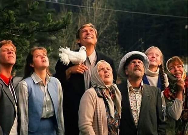 За кадром фильма «Любовь и голуби»: вырезанные эпизоды и обвинения в аморальности
