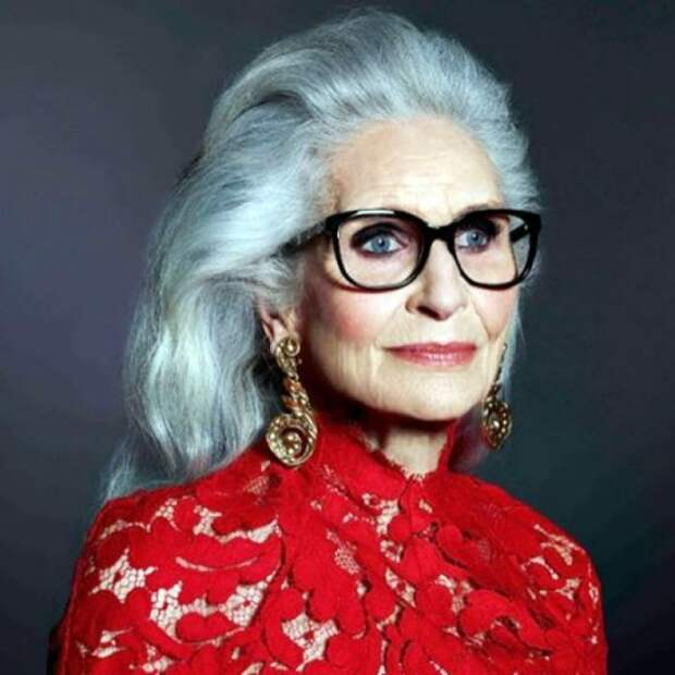 Молодят или старят женщину длинные волосы после 50 лет: мнение стилиста, модные советы, отзывы, прически для длинных волос тем, кому за 50