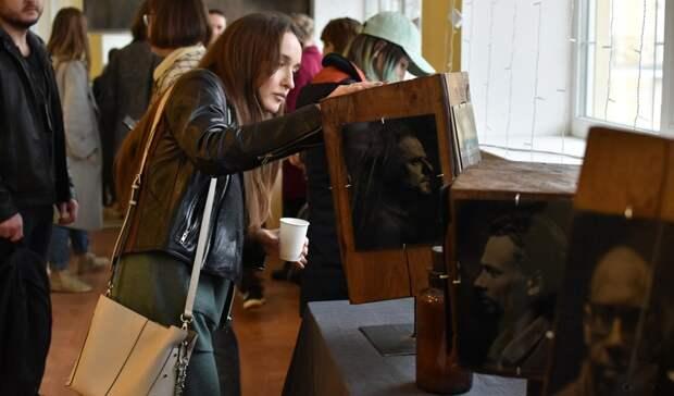 Назад впрошлое: вБелгороде открылась выставка Павла Титовича встиле XIX века