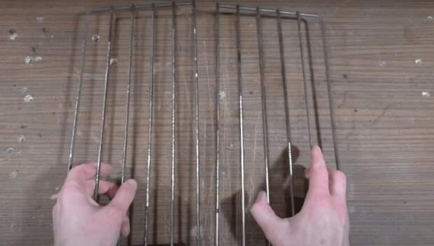 Хитрое, но крайне простое в изготовлении приспособление из старой решетки от плиты