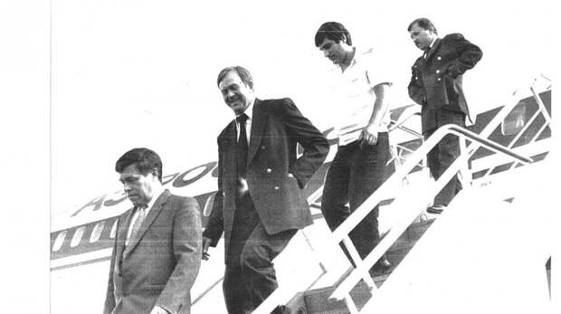 Как в СССР арестанты угнали самолет, на котором их этапировали