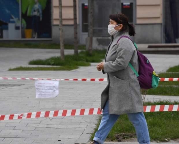 """Глава Роспотребнадзора напомнила о сохранении масочного режима: """"Вирус никуда не ушёл"""""""