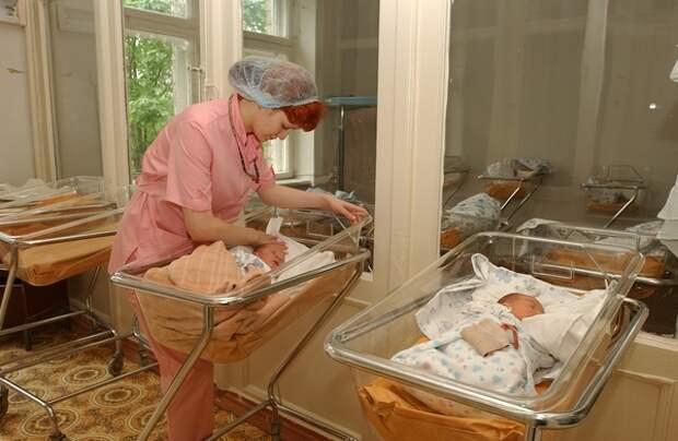 В Петербурге после смерти от Covid целой семьи, ДНК хочет сдать предполагаемый отец младенца