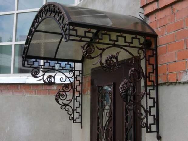 Козырек над входом: что должен знать каждый хозяин перед его установкой (85 фото)