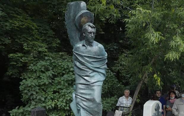 """""""Для меня будто ветром задуло костер.."""" День памяти Владимира Высоцкого"""
