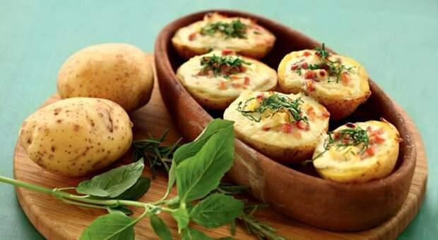Картофель с начинкой. \ Фото: gastronom.ru.