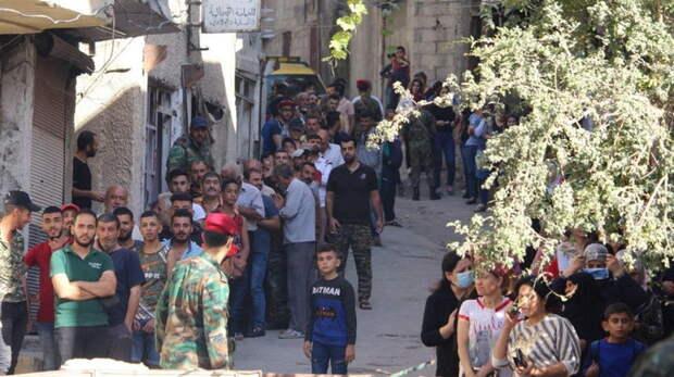 Военкоры наглядно показали, как сирийцы относятся к российским военным и к армии США