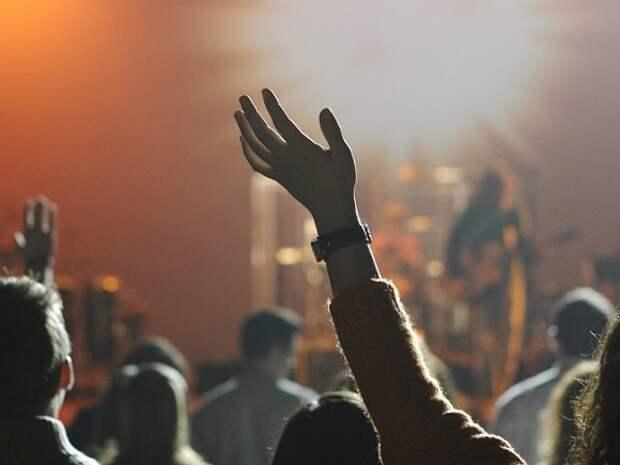 Нас запугивают силовики, а концерты превращаются в полицейские рейды: музыканты потребовали прекратить давление на несогласных с политикой