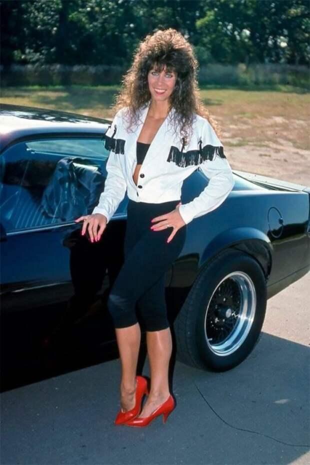 Стиль 80-х и90-х вярких фотографиях модниц тех лет