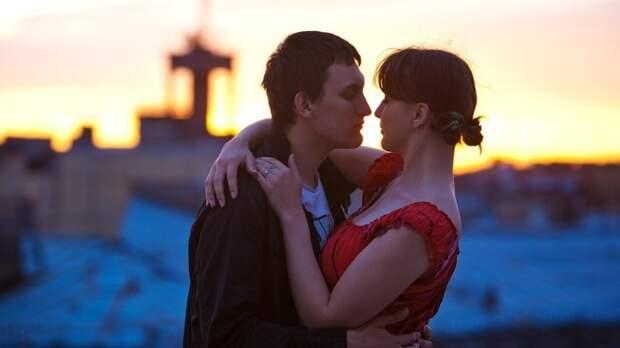 Дерматовенеролог Курач рассказала, какие заболевания передаются через поцелуй