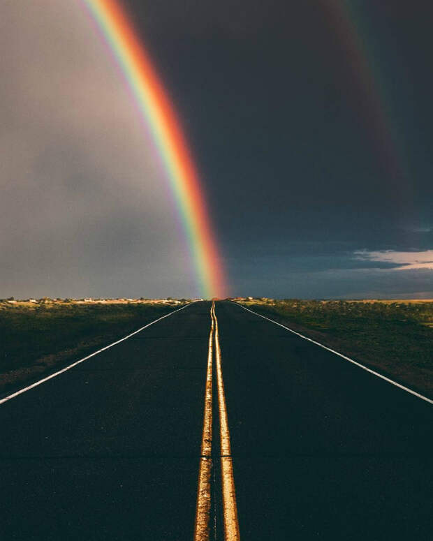 Радуга из центра дороги. | Фото: Pinterest.