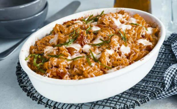 Ставим макароны в духовку, вместо того чтобы варить в кастрюле: готовим сразу 3 разных блюда