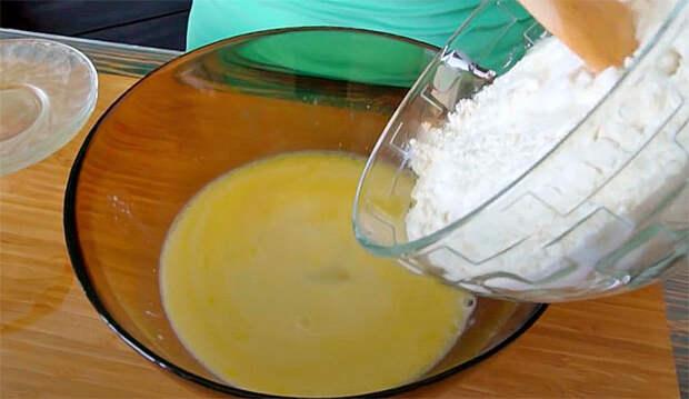Хачапури по мергельскому рецепту: кладем сыр и внутрь, и снаружи