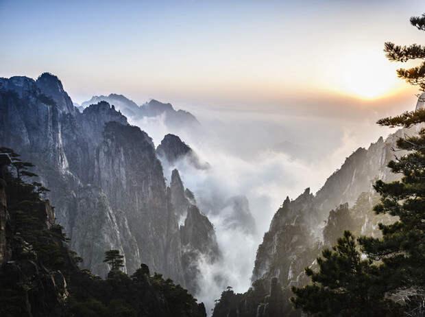 Фото №11 - 10 самых впечатляющих горных пейзажей мира