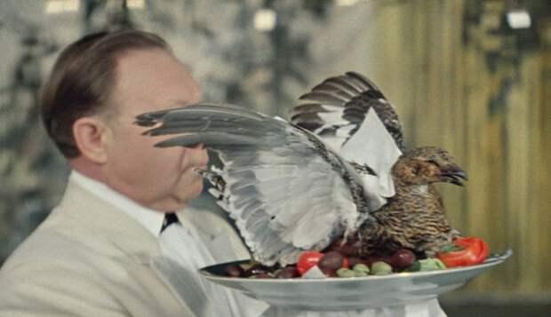 Сцена из кинофильма «Бриллиантовая рука». / Фото: kinoserial.life