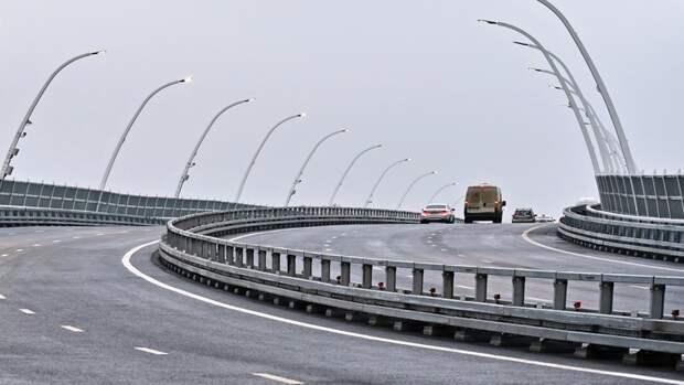 Временный мост через Сходню построен