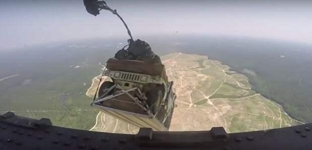 Мимо пролетали Humvee: свободное падение глазами армейского «хомяка»