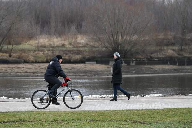 Циклон принес в европейскую Россию тепло, шторм и заморозки
