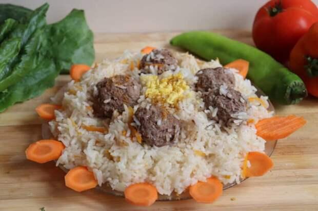 Фрикадельки с рисом