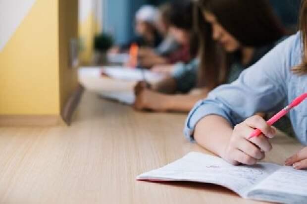 Девятиклассники напишут контрольные работы по одному предмету на выбор