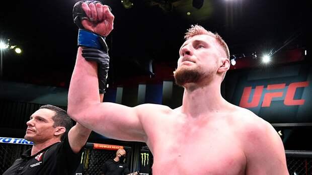 «Приходит время Саши, а Нганну для него не опасен». Минаков бил Волкова, а теперь видит его будущим чемпионом UFC