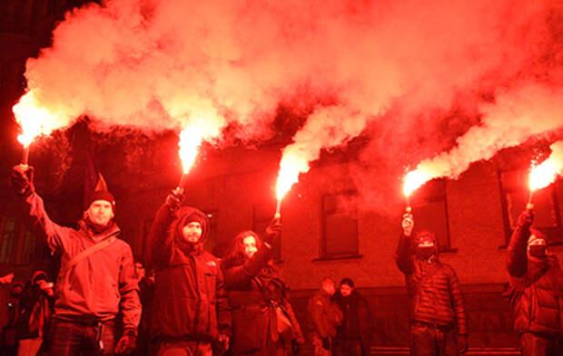 В годовщину Евромайдана на улицы Киева вышли радикалы