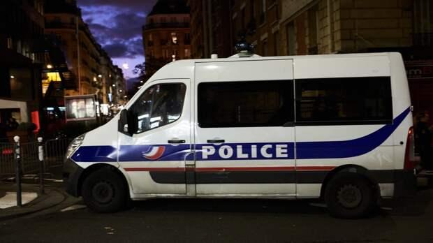 Отставные полицейские призвали Макрона восстановить порядок во Франции