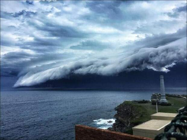 Свидетелями крайне необычных и удивительных облаков, стали жители Австралии