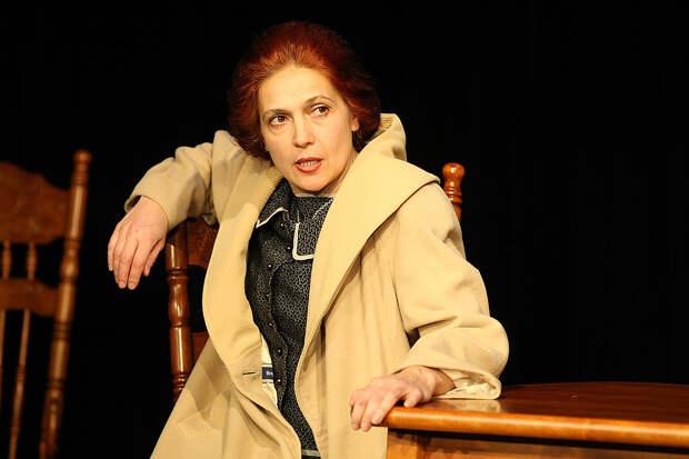 «Закройте её»: как отбирают театр МЕЛ у Елены Махониной