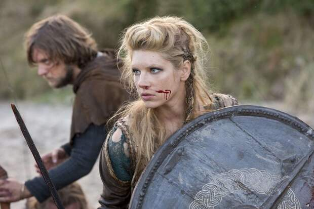 Кадр из сериала *Викинги*.