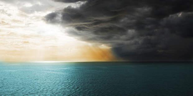 Море. Шторм