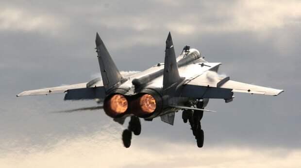 Российский МиГ-31 перехватил самолеты ВВС США и Норвегии над Баренцевым морем