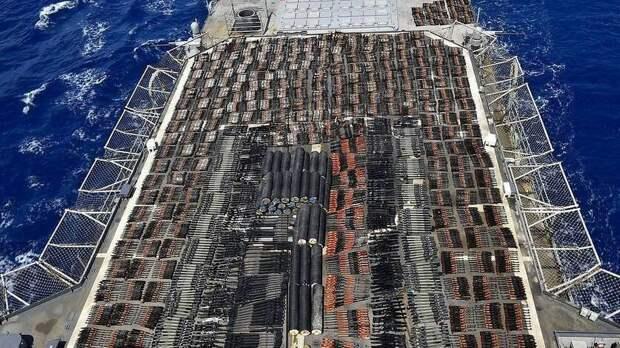 Флот США на Ближнем Востоке задержал судно с крупной партией российского оружия