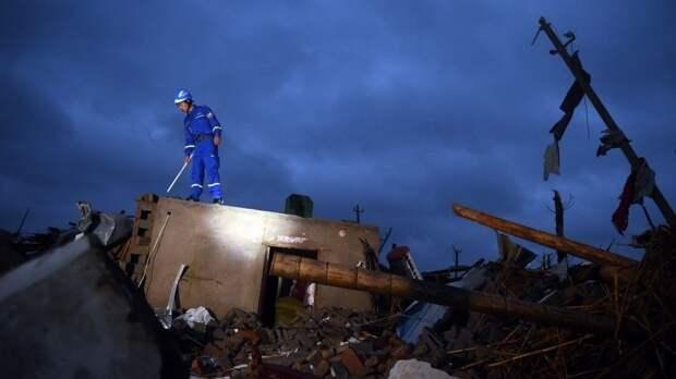 Мощный торнадо обрушился накитайский Ухань. Есть погибшие— видео