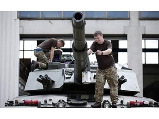 Британцу — дорого, русскому и китайцу — защита: эксперт о танках в Евразии