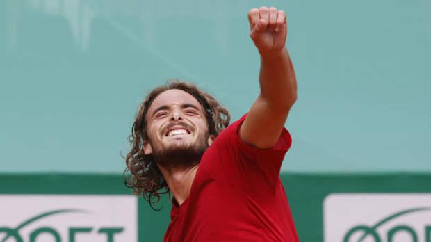 Циципас возглавил чемпионскую гонку ATP, Рублёв — второй