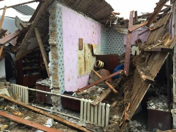 Крымские следователи начали проверку взрыва дома в Черноморском районе