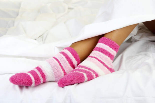 Подруга перед сном всегда надевает носки. Только сейчас я поняла, какая она молодец!