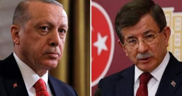 Экс-премьер Турции обвинил Эрдогана в«бесследном исчезновении» $16 млрд