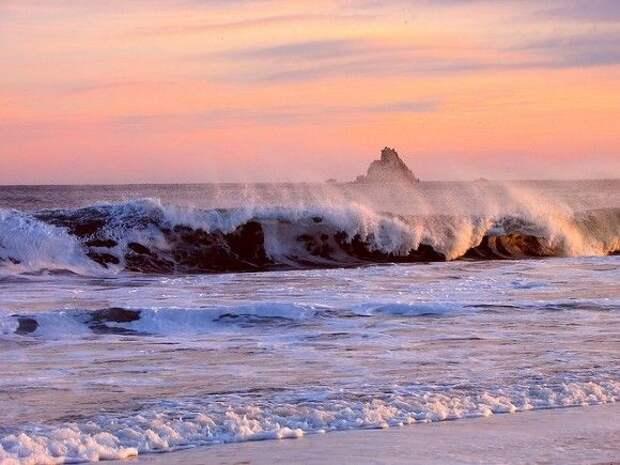 На юге Приморья пожелтело море