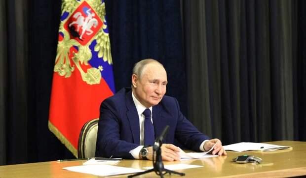 Песков рассказал о голых стенах в сочинском кабинете Путина
