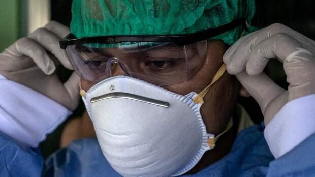 В США за сутки зафиксировали почти 80 тысяч новых случаев коронавируса
