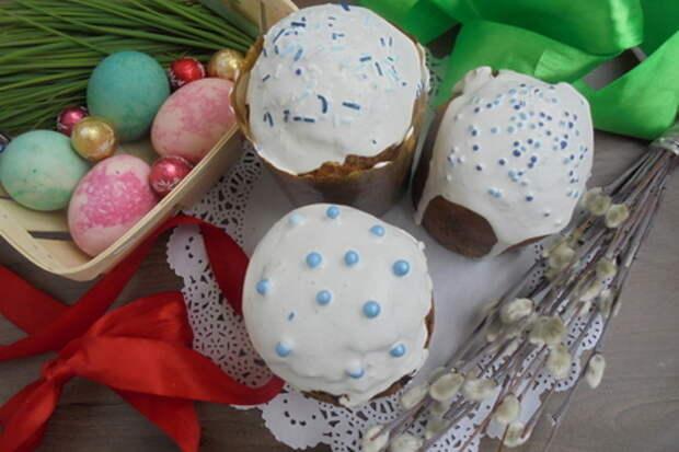Фото к рецепту: Шоколадный кулич с сухофруктами и грецкими орехами #пасха2021