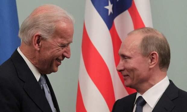 """Байден назвал Путина """"Клутиным"""", а эскалацию – """"вакцинацией"""""""