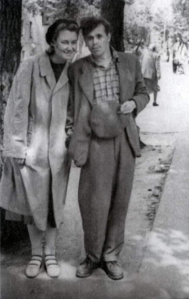 Анатолий Зверев с женой. / Фото: www.museum-az.com
