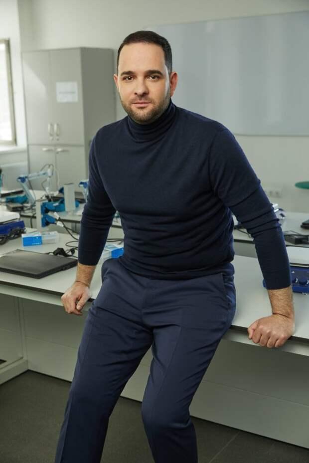 Ректор РХТУ Мажуга назвал три условия для сближения науки и бизнеса. Автор фото: Данил Головкин