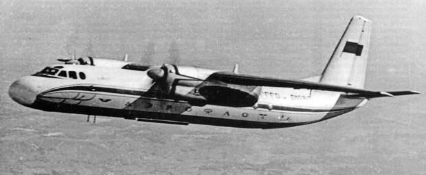 Сегодня исполнилось 60 лет первому полету легендарного Ан-24