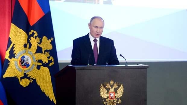 """Кого готовили на место Путина? Политолог проговорился об """"уничтоженном за год"""" преемнике Ельцина"""